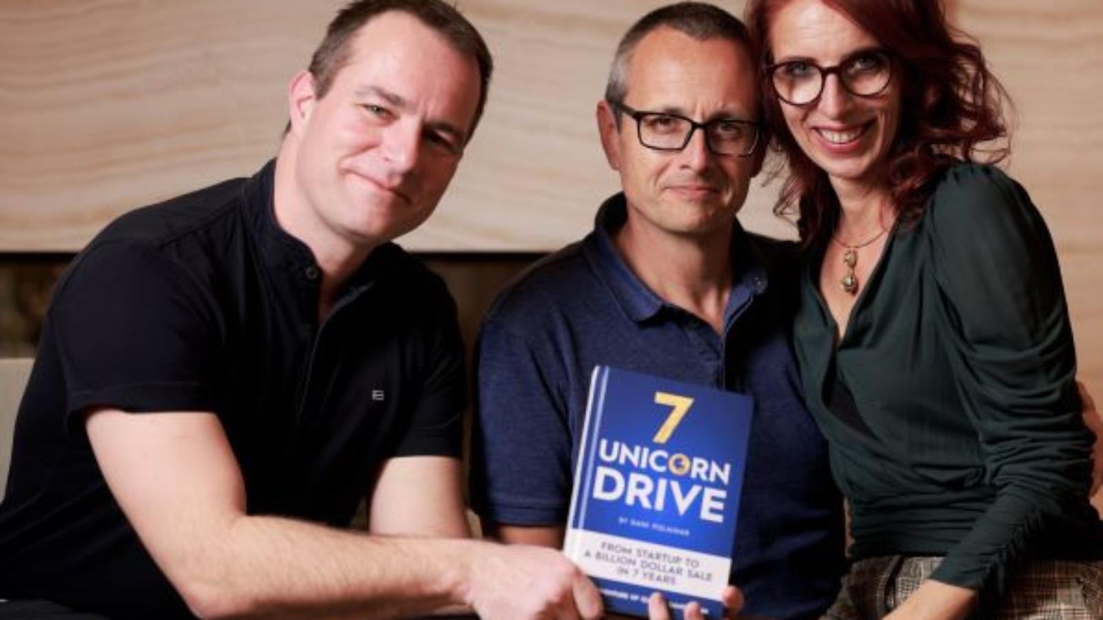 Dani Polajnar, Samo in Iza Login s knjigo
